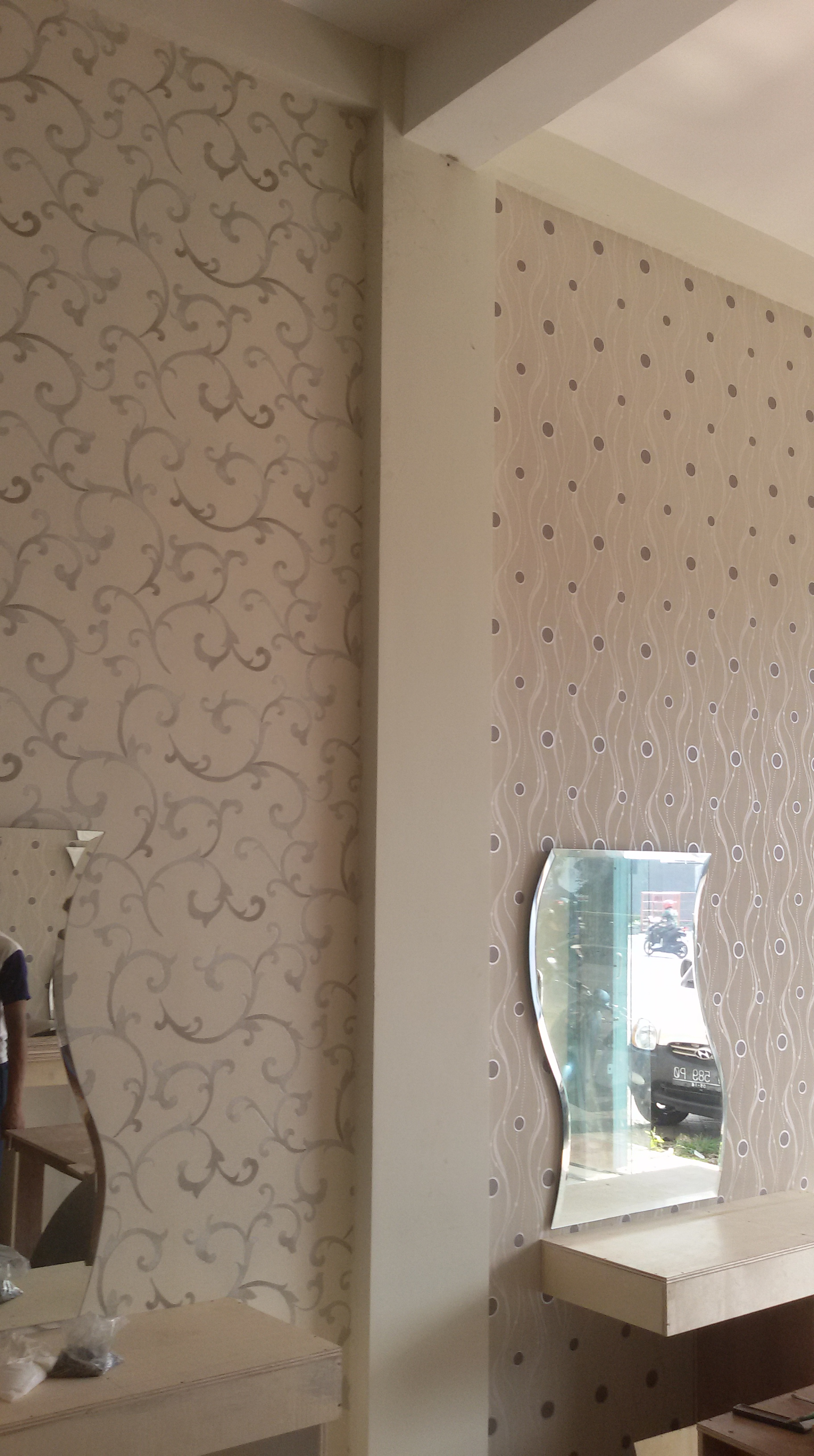 Wallpaper dinding motif minimalis surabaya murah